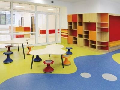 商用型PVC塑胶地板